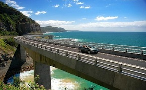 During day trip from Sydney, incentive travel delegates enjoy amazing scenery, sumptous food and beautiful wines along Grand Pacific Drive with dmc Sydney Australia