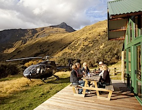 Helicopter tour in Queenstown with uniq luxury travel new zealand