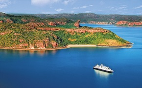 Expedition cruise going along Kimberley coastline between Broome and Darwin. Perfect cruising experience for incentive travel delegates with dmc australia, uniq travel & Incentives