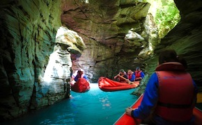 Incentive group kayaking Dart river with dmc queenstown