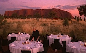 Incentive group dines under the stars in Uluru with dmc australia
