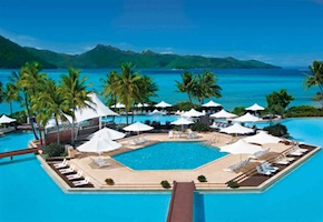 In Australia incentive travel delegates enjoy luxury of hayman island resort in Great Barrier Reef with destination management company cairns, UNIQ Travel Australia