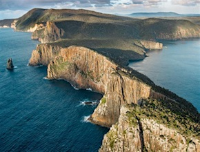 A small incentive group experience for delegates visiting Australia. A coastal walk to the edge of Australia's tallest sea cliffs in Tasmania is for adventurous teams. Contact UNIQ Travel & Incentives Australia, your dmc for Hobart and Tasmania