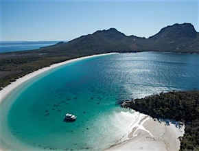 Incentive travel visiting Hobart get to experience amazing beauty of Wineglass Bay with UNIQ Travel & Incentives Australia, dmc Hobart Tasmania