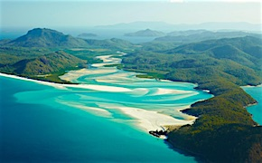 In Australia incentive travel delegates sail through whitsundyas with UNIQ Travel Australia, destination management company Hamilton Island