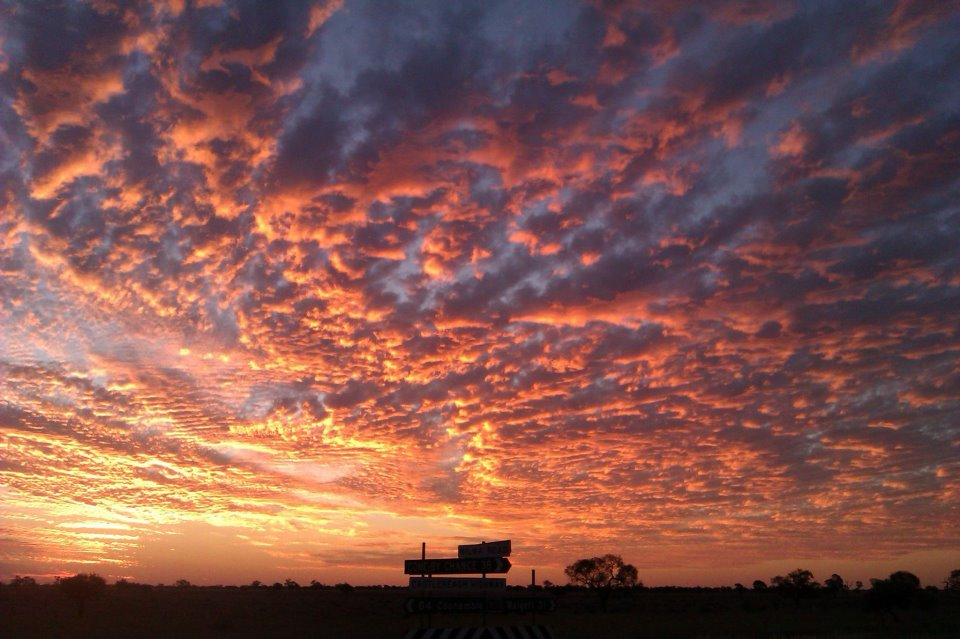 australia-travel-outback-sunset