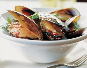 dmc-new-zealand-food-mussels-uniq-luxury-travel