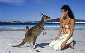 dmc-australia-family-kangaroo-beach-uniq-luxury-travel