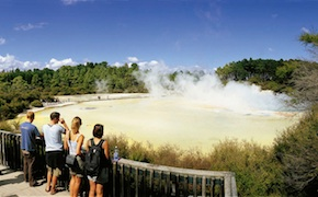 Incentive group admires geothermal lake with dmc rotorua, uniq new zealand