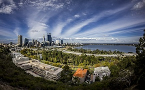 Perth City tour for incentive groups include sparkling wine enjoyed at Kings Park