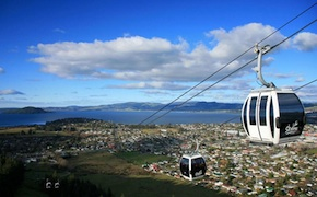 Incentive group travel to the top of Rotorua in Skyline gondolas for bespoke dining experience with uniq luxury travel New Zealand