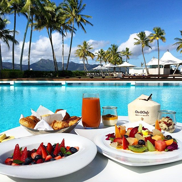 Poolside breakfast for incentive travel delegates at One&Only Hayman Island with UNIQ dmc Australia.